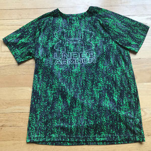 Black and Green Youth XL Under Armour Shirt